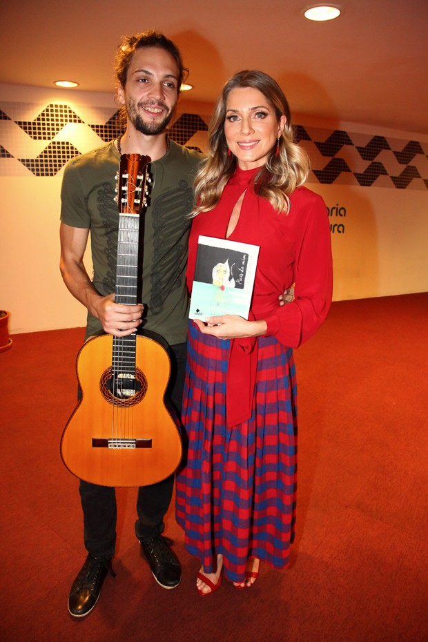 Pablo Vares e Letícia Spiller  (Foto: Marcos Ribas/Brazil News)