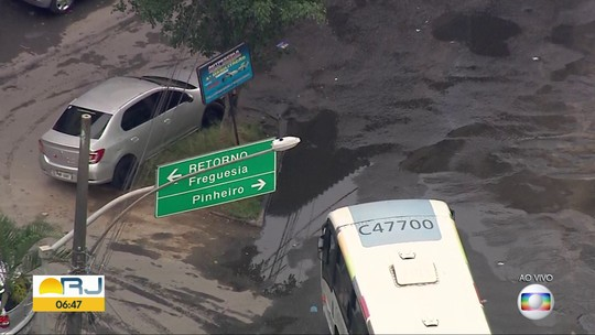 Moradores das Rua Nova, em Rio das Pedras, reclamam de vazamentos de água