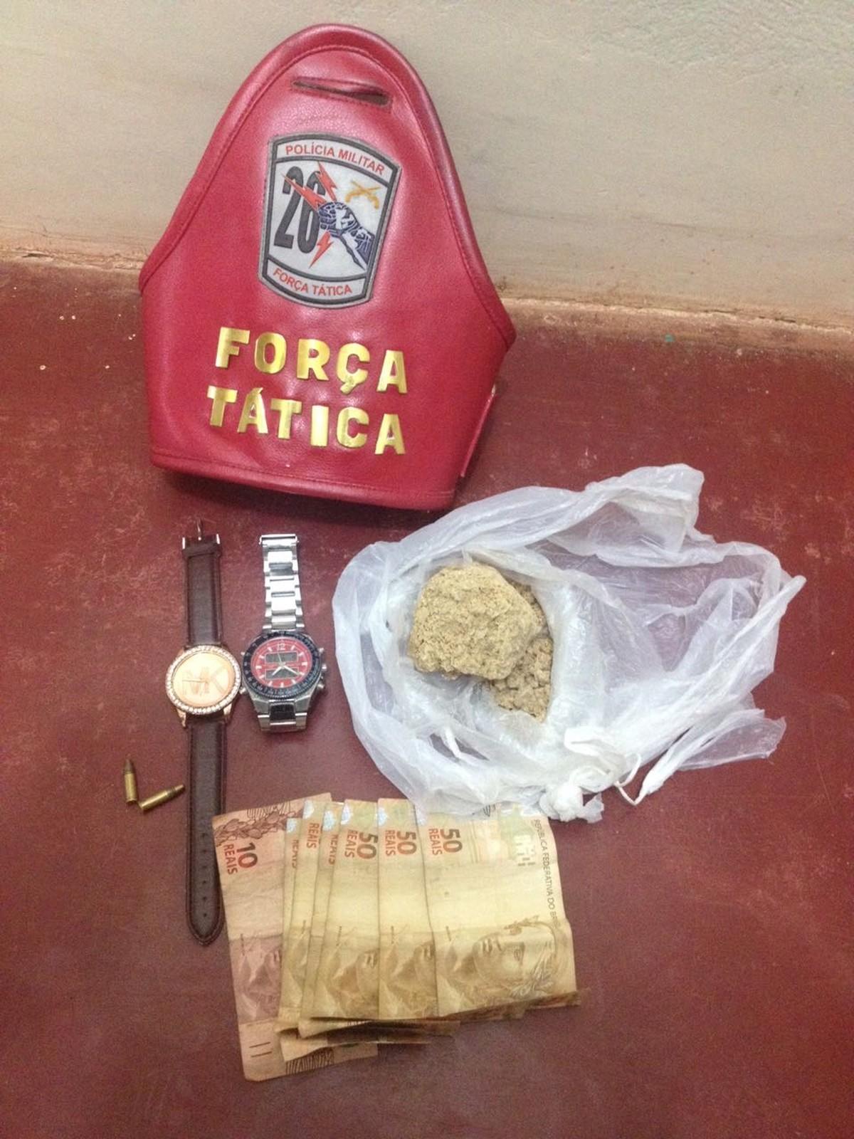 Dupla é presa com pasta base de cocaína e munições em Caracaraí, Sul de RR