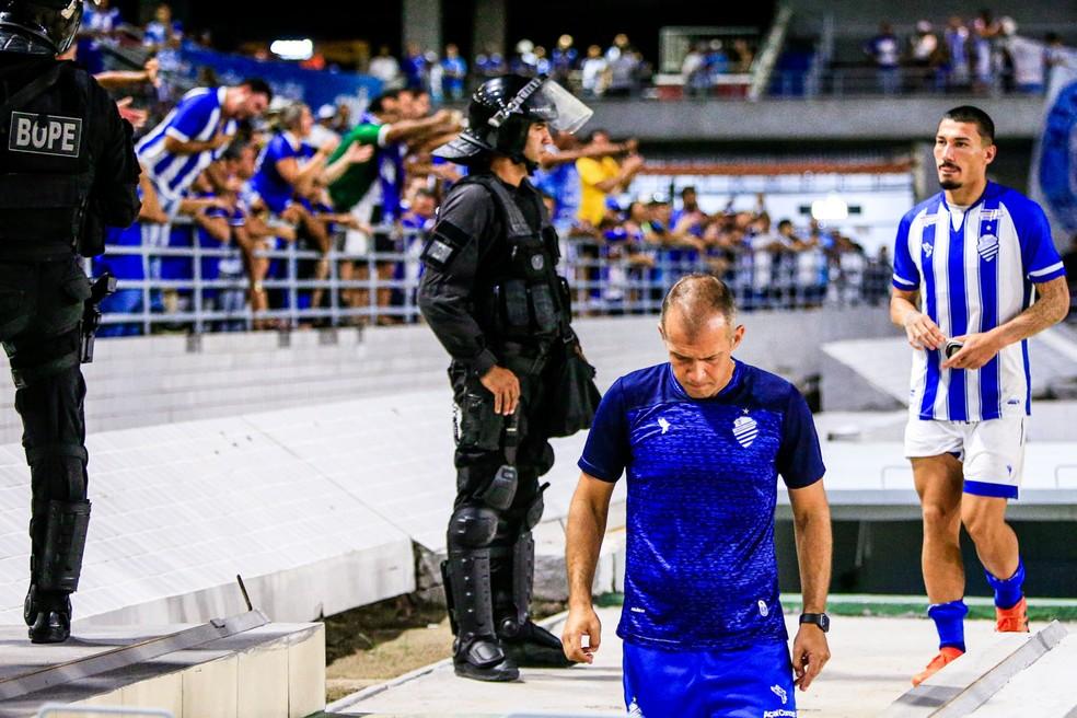 Técnico Eduardo Baptista estreia no CSA com empate — Foto: Ailton Cruz/Gazeta de Alagoas