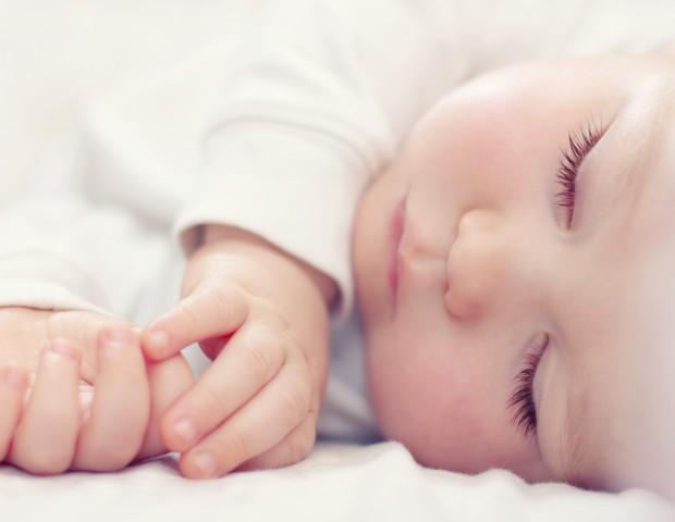 Com paciência, dá para ensinar a criança a dormir bem  (Foto: Thinkstock)