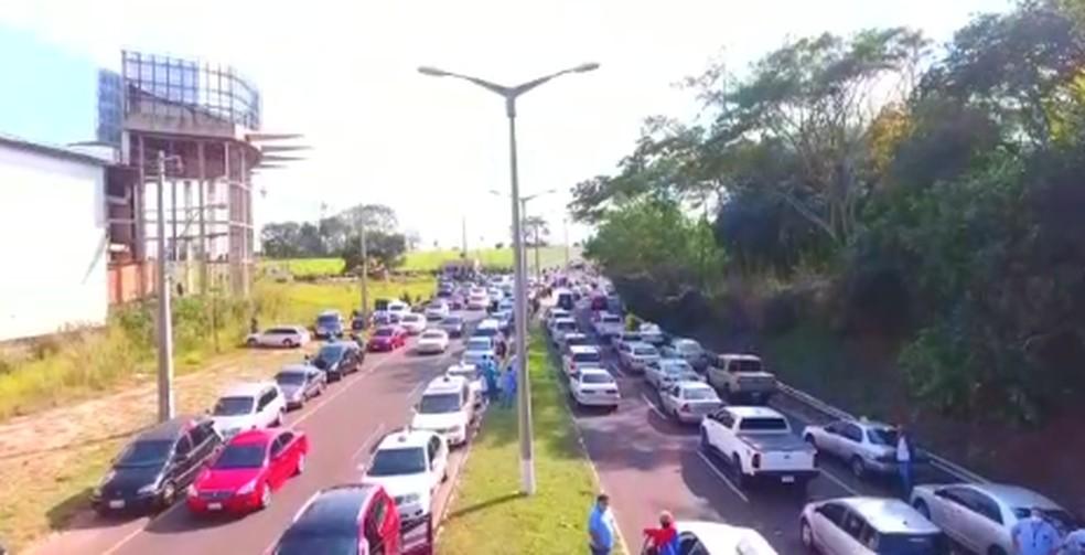 Paraguaio protestam e pedem a reabertura do fronteira do Paraguai com o Brasil.  Foto: Juan Alcaráz/Arquivo Pessoal