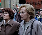 Ane Gabarain e Lena Irureta em cena como Miren e Bittori na série 'Pátria'   HBO