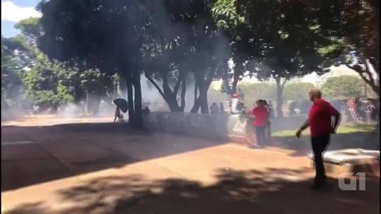 Polícia Militar e estudantes da UnB entram em confronto na Esplanada; vídeo