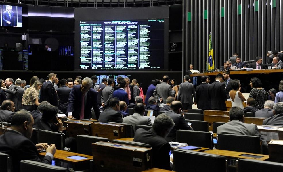 Resultado de imagem para Deputados aprovam novas regras para o Fies