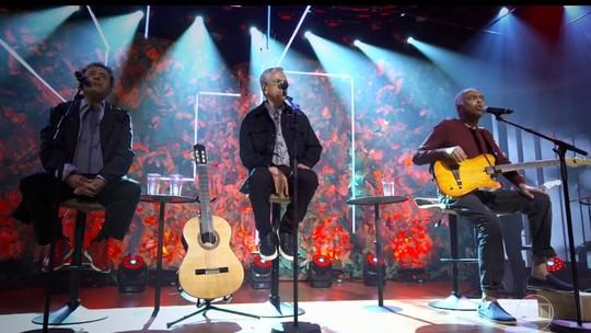 Gilberto Gil, Caetano Veloso e Tom Zé se reúnem com Bial para celebrar 50 anos do disco 'Tropicália'
