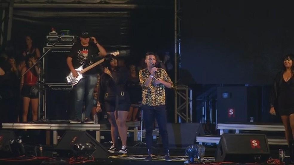 Devinho Novaes se apresenta no Forrozão pela segunda vez — Foto: Reprodução/TV Sergipe