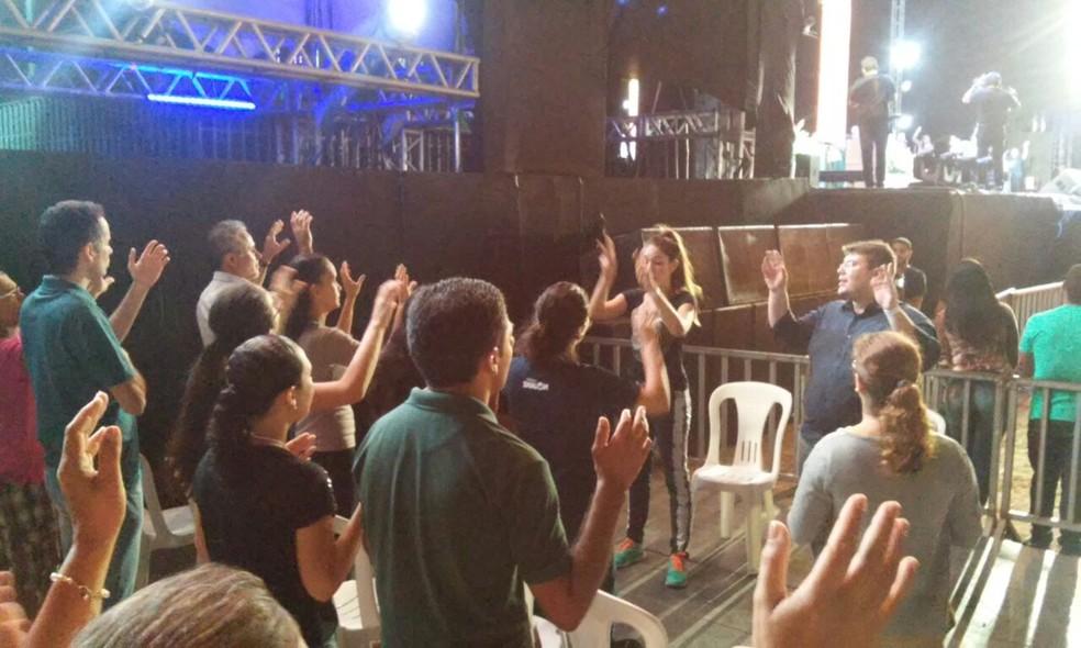 Público recebe tradução em libras no Espaço Acessibilidade (Foto: Comunidade Católica Shalom)