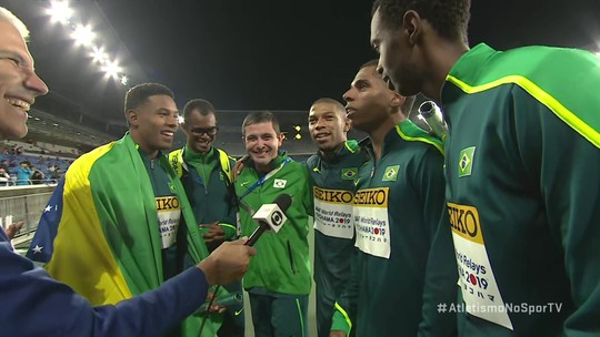 Equipe campeã mundial de revezamento 4 x 100m, brasileiros vibram muito com feito