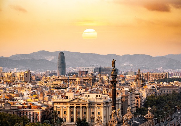 para solucionar crise de habitacao barcelona obriga donos de imoveis a alugar apartamentos vazios epoca negocios mundo alugar apartamentos vazios