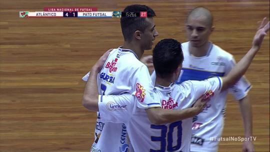 Gol do Pato! Após cobrança de falta, Ernandes marca na final