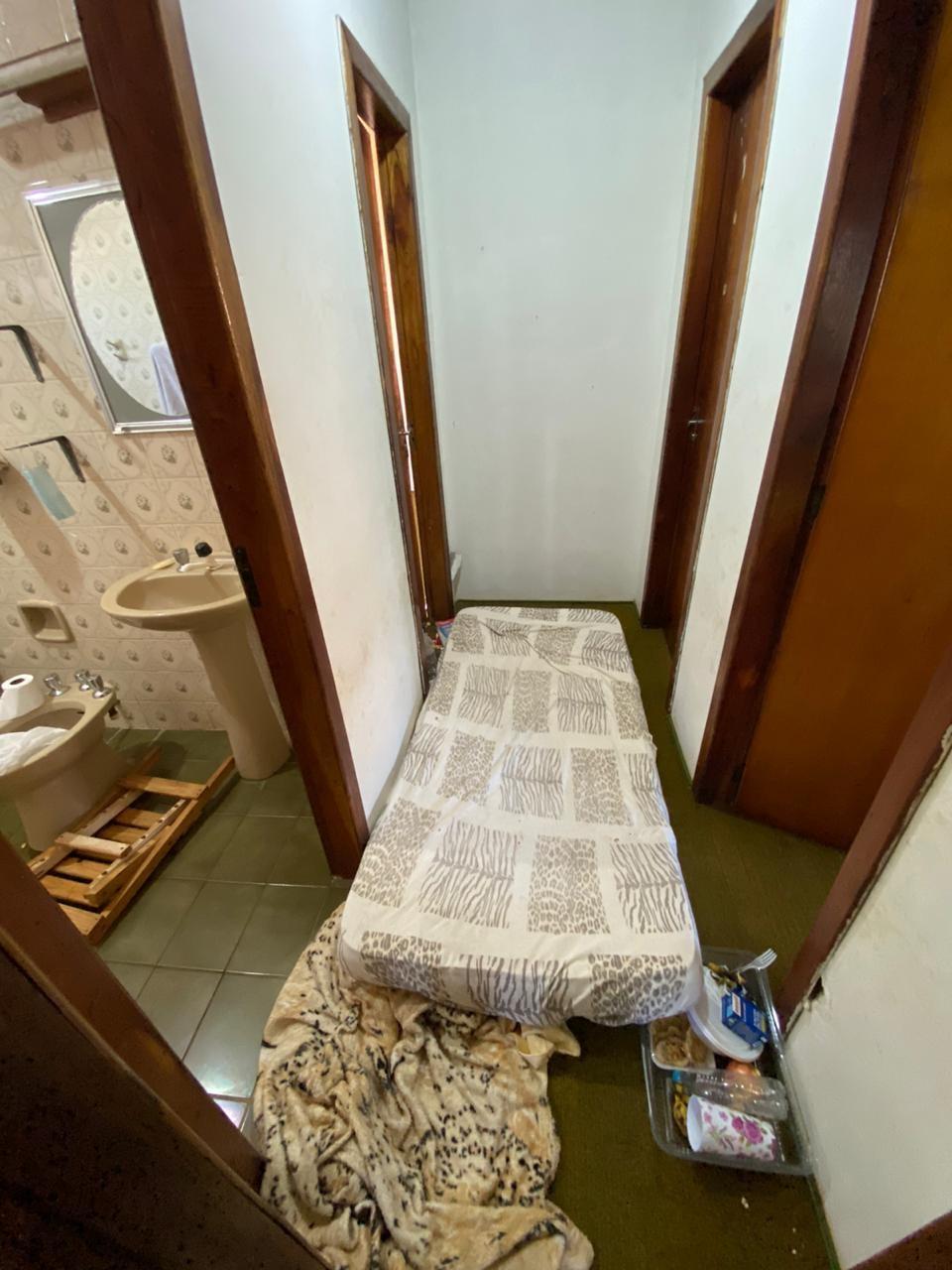 Imagens da Polícia Civil mostram local onde médica sequestrada em Erechim ficou por cinco dias