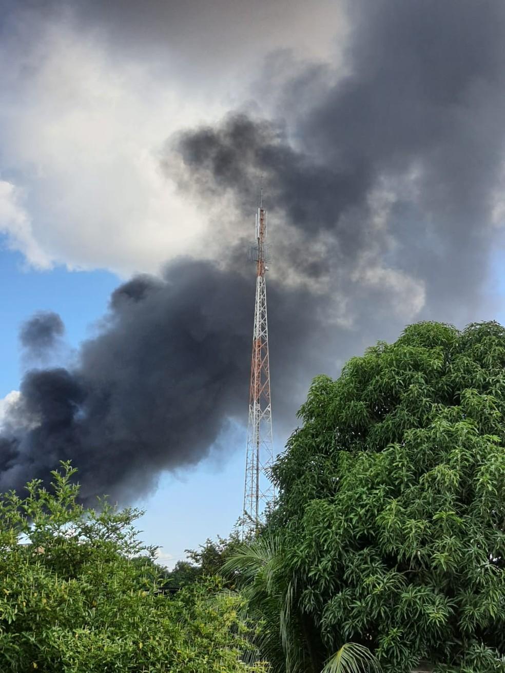 Fumaça de incêndio é registrada por moradores de Porto Velho — Foto: Arquivo pessoal