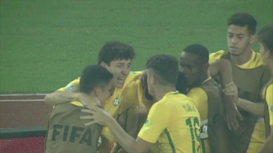 """Carlos Amadeu decreta após mais uma virada: """"Nosso time nunca vai desistir"""""""