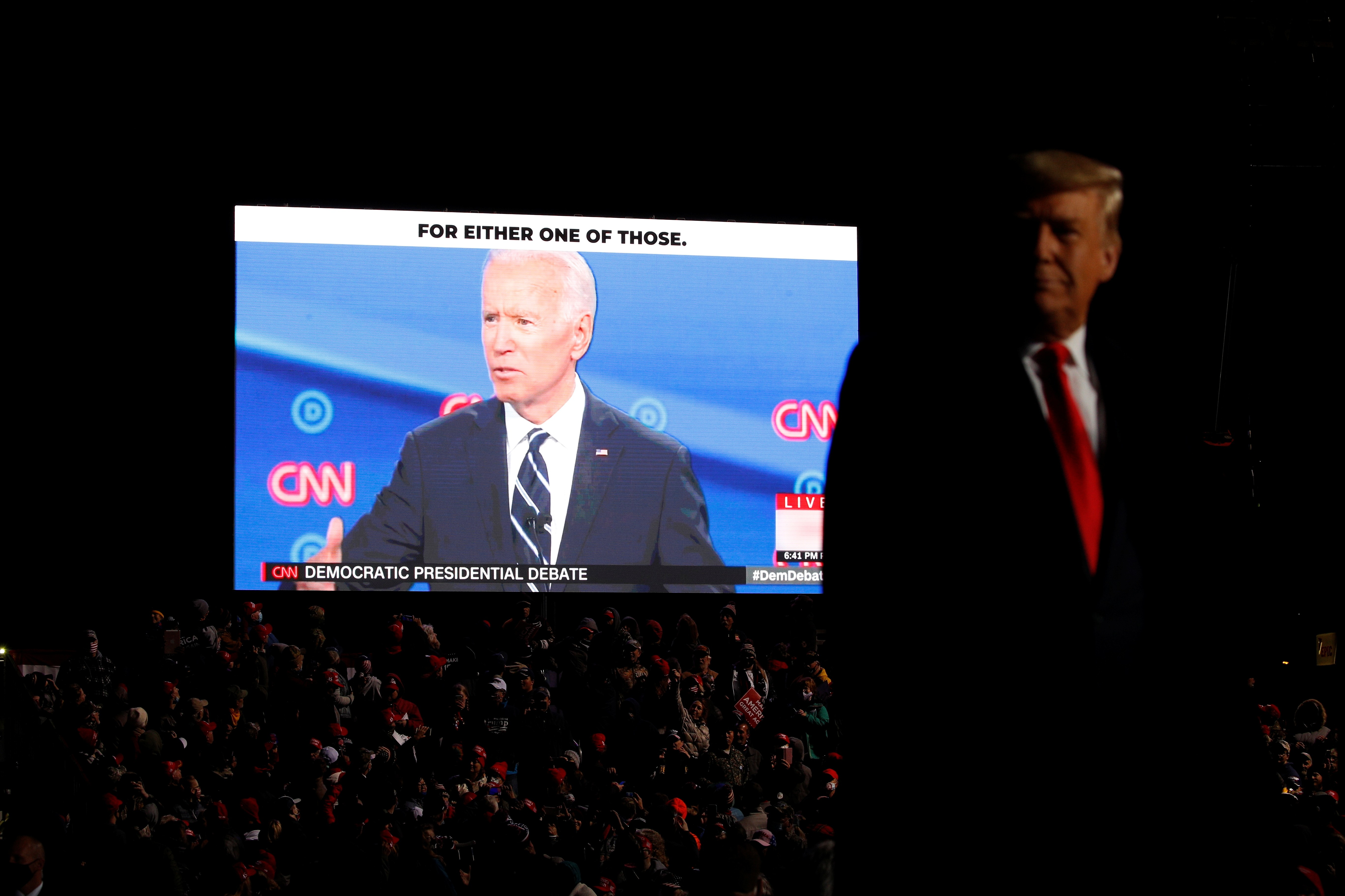 Trump em agenda frenética de comícios com mesmo repertório