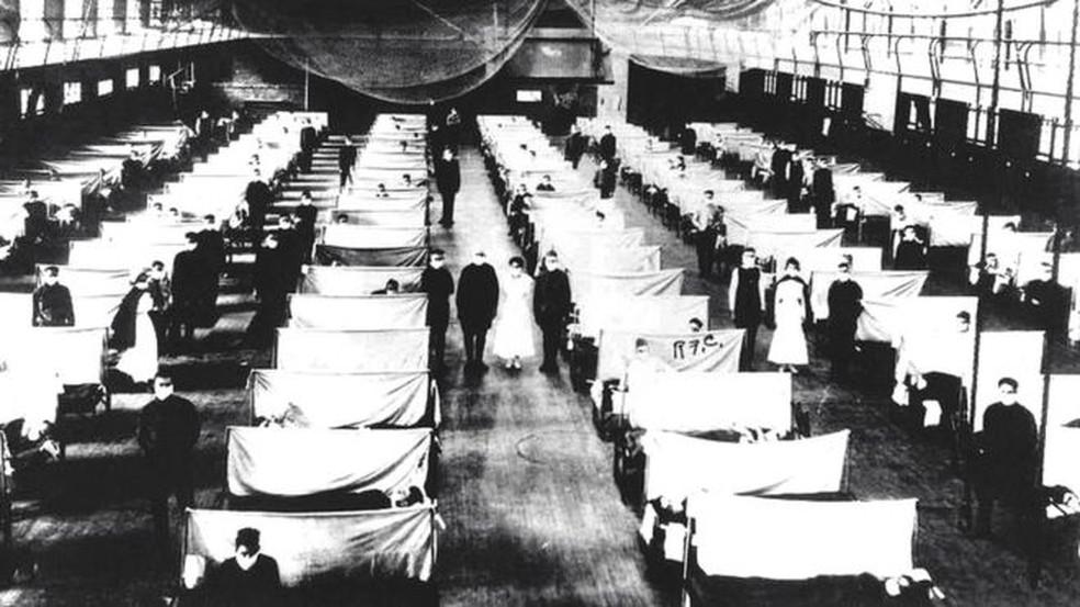 Estima-se que entre 50 e 100 milhões de pessoas tenham morrido por causa da gripe espanhola — Foto: Getty Images via BBC