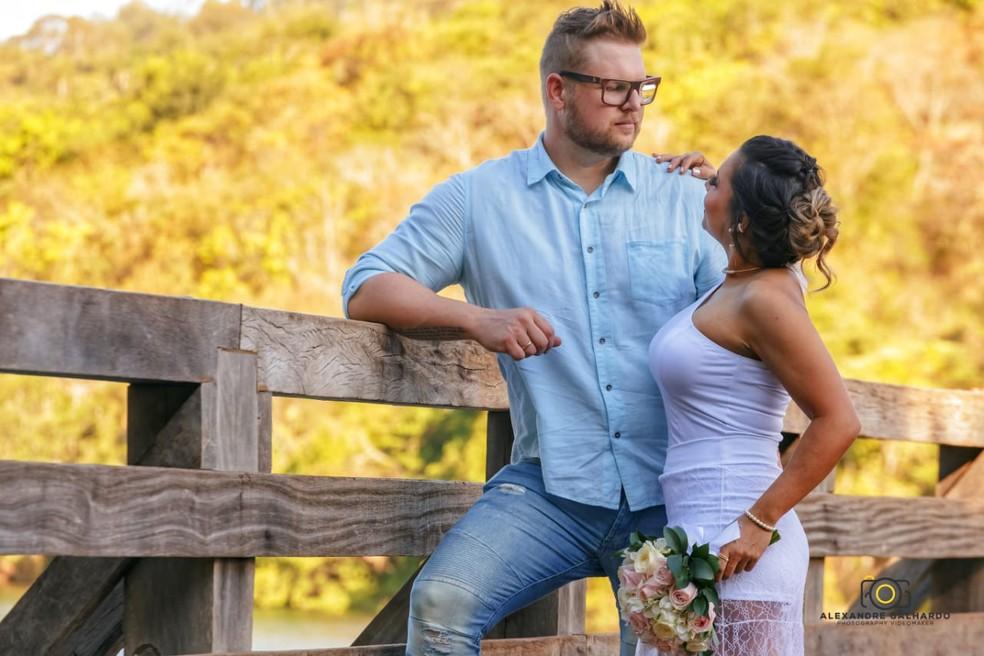 Casal tinha marcado a data do casamento para 12 de junho  — Foto: Alexandre Galhardo