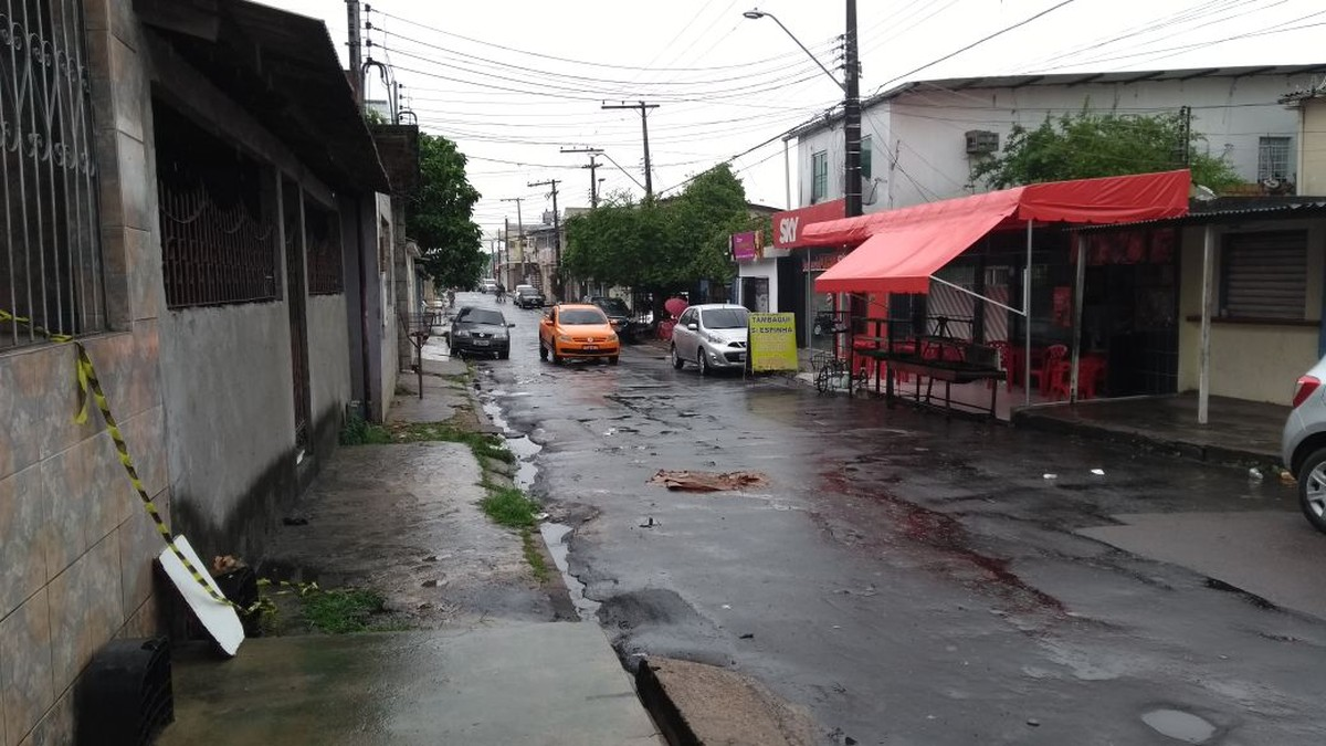 Homem é morto em Manaus após sair de casa para vender queijo em festas