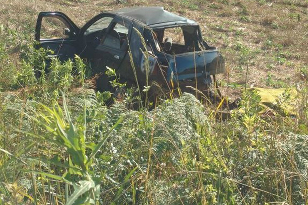 Havia sete ocupantes no Palio envolvido em batida com Hilux que resultou na morte de seis pessoas em Campos Novos na tarde deste domingo (10) (Foto: Jornalismo Simpatia FM/Divulgação)