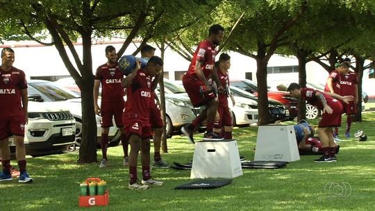 Zagueiro diz que boa fase se reflete em campo e vê Atlético-GO mais confiante