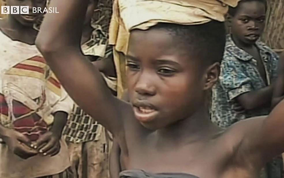 -  As meninas retiradas da família para trabalharem   39;para os deuses  39; e pagarem pelos erros de parentes no oeste da África  Foto: Reprodução/BBC