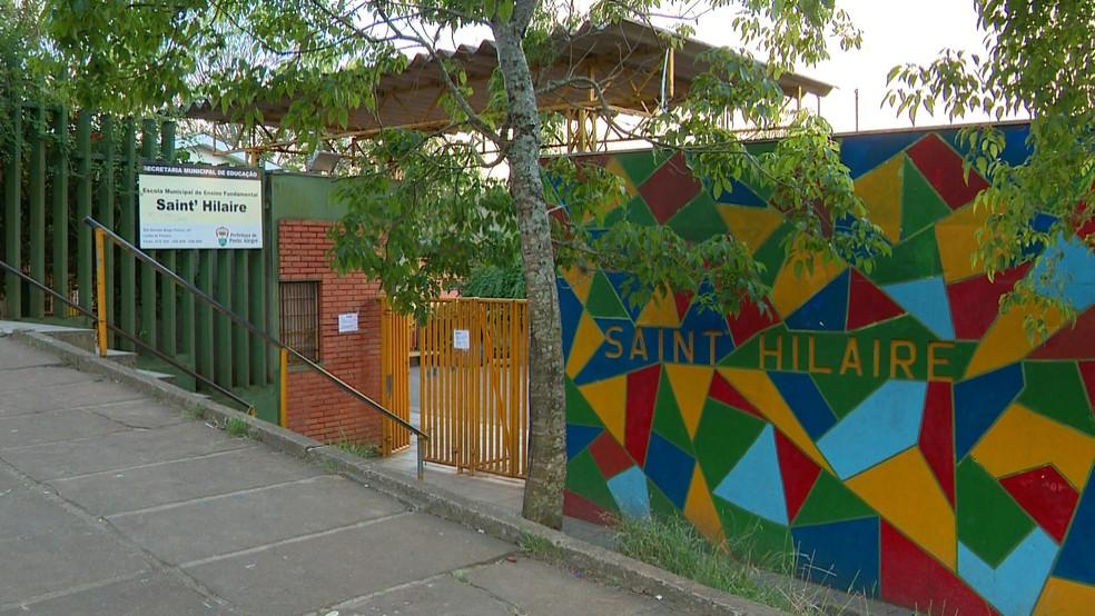 Escola ficará fechada na manhã de quinta-feira (8), segundo a Secretaria Municipal de Educação  — Foto: Reprodução/RBS TV