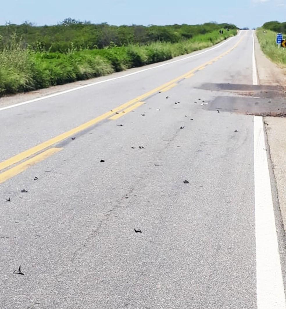 Bandidos espalharam grampos pelas rodovias da região  — Foto: PMRN/Divulgação