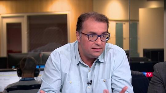 """Eboli critica indefinição em jogo do Vasco: """"Não tem ninguém para resolver de fato?"""""""