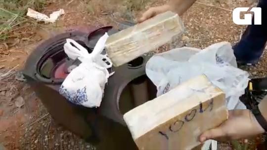 Homens são presos após polícia encontrar droga escondida em caixa de som; vídeo