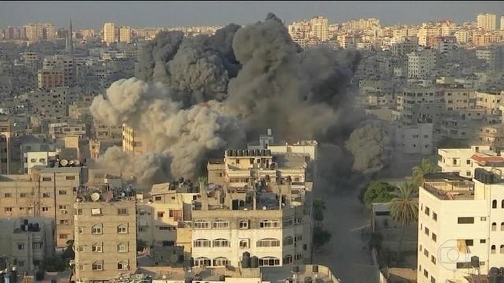 Confronto entre Hamas e Israel na Faixa de Gaza. — Foto: Reprodução/JN