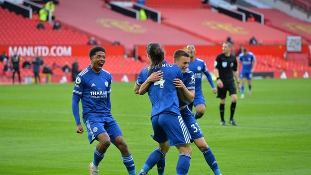Vitória do Leicester sobre o Manchester Uniteddá o título da Premier League ao City