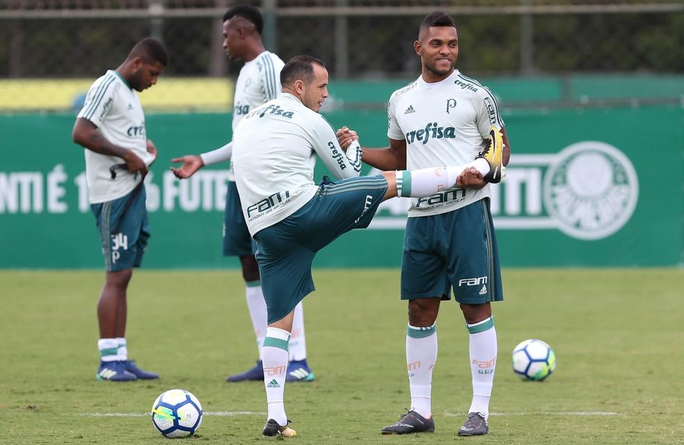 Guerra e Borja no treino do Palmeiras (Foto: Cesar Greco / Ag. Palmeiras)