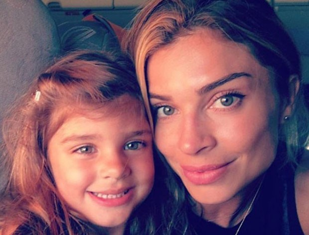Sofia e a mãe, Grazi Massafera (Foto: Reprodução Instagram)