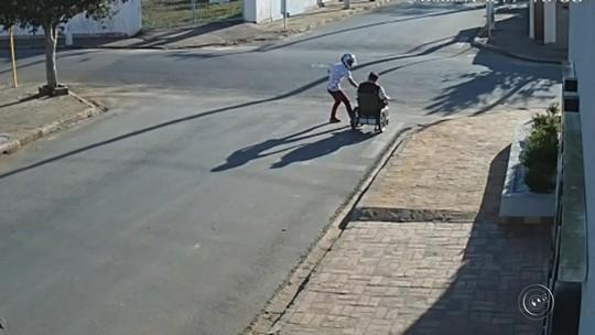Segundo suspeito de assaltar cadeirante no meio da rua no interior de SP se entrega à polícia