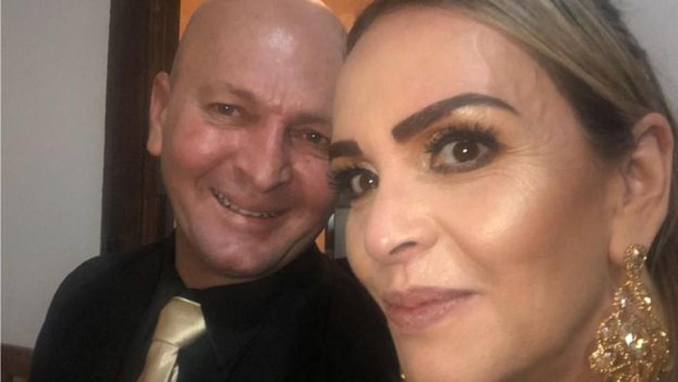 Márcia e o sargento José Romildo Pereira estavam juntos havia uma década e tinham muitos planos para o futuro — Foto: Arquivo pessoal/BBC