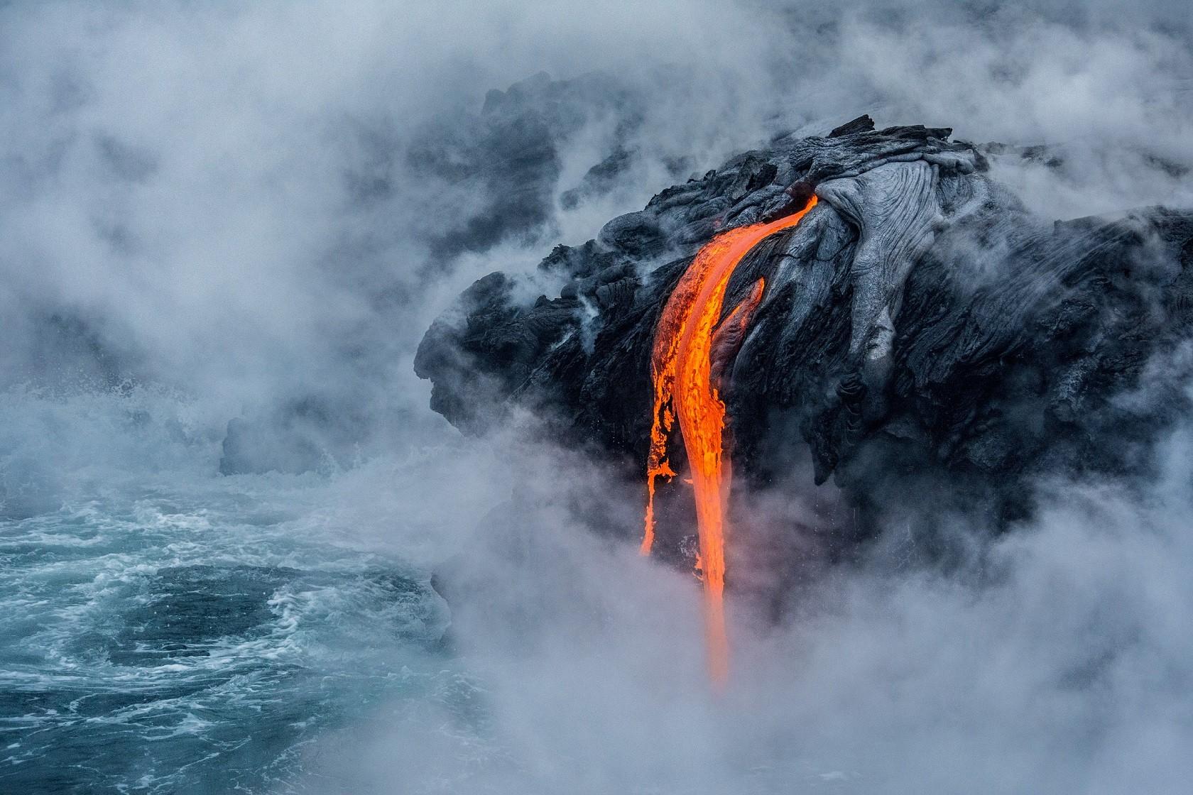 Lava escorre pelo vulcão Kilauea, do Havaí (Foto: Divulgação)