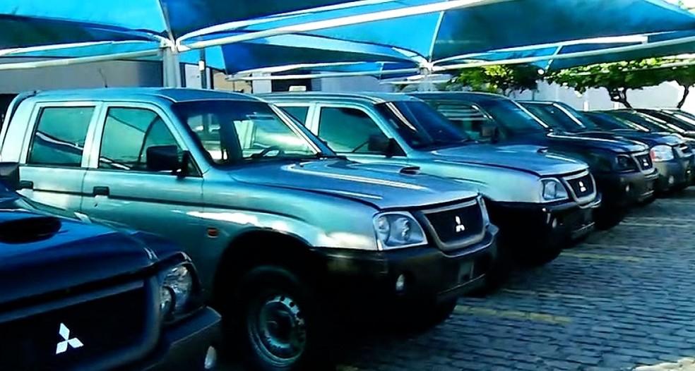 Leilão da PF oferece 33 veículos, além de outros produtos, em Natal. Entre os carros, existem modelos com preços inicias de R$ 1 mil.  — Foto: Reprodução/Inter TV Cabugi