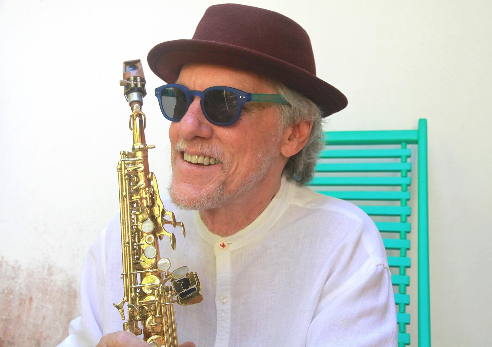 Mauro Senise conserva, no álbum 'Ilusão à toa', o encantamento juvenil de ser tocado pela obra de Johnny Alf
