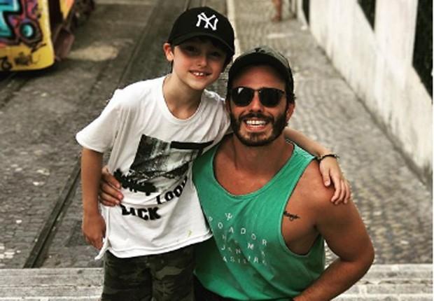 Thiago Rodrigues e o filho, Gabriel (Foto: Reprodução/Instagram)