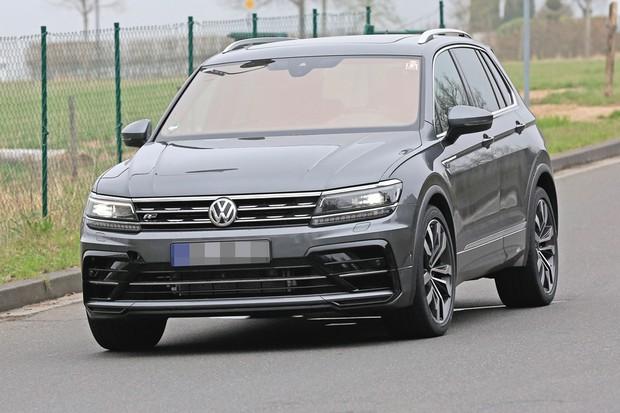 Volkswagen Tiguan R roda disfarçado como Tiguan R-Line (Foto: Stefan Baldauf/SB-MEDIEN)