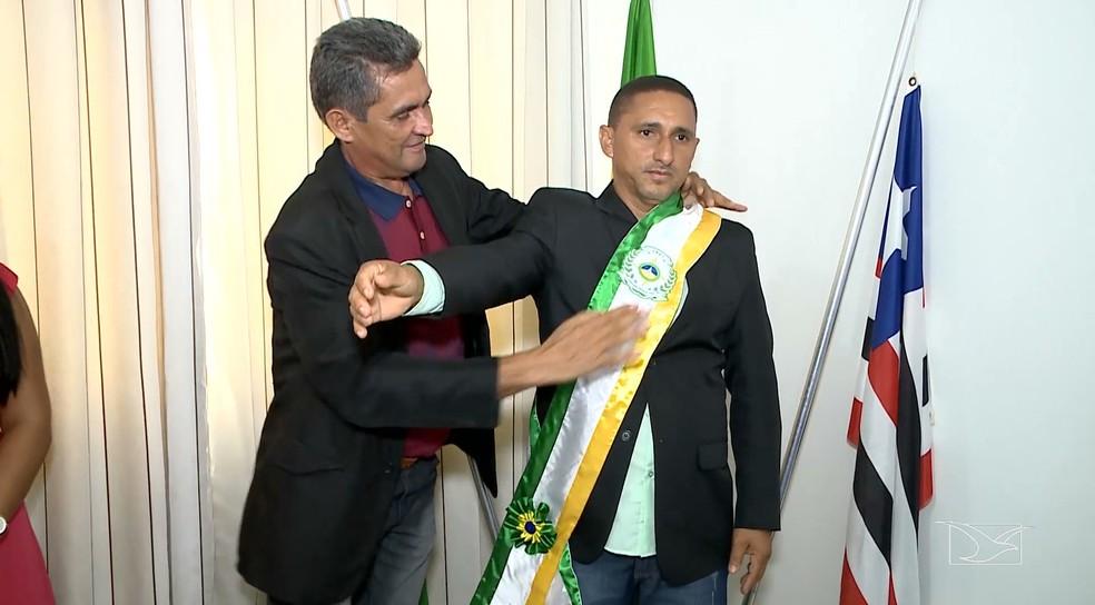 Raimundo Nonato Martins (PRB) assume prefeitura de Davinópolis — Foto: Reprodução / TV Mirante