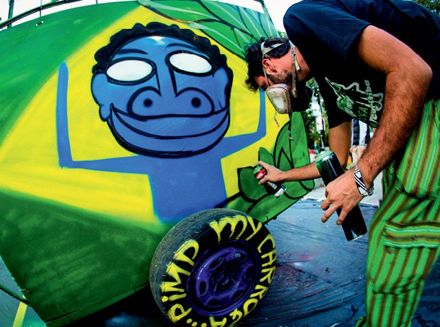 o grafiteiro Mundano lançou o Cataki, um aplicativo gratuito que conecta catadores a geradores de resíduos (Foto: Divulgação)