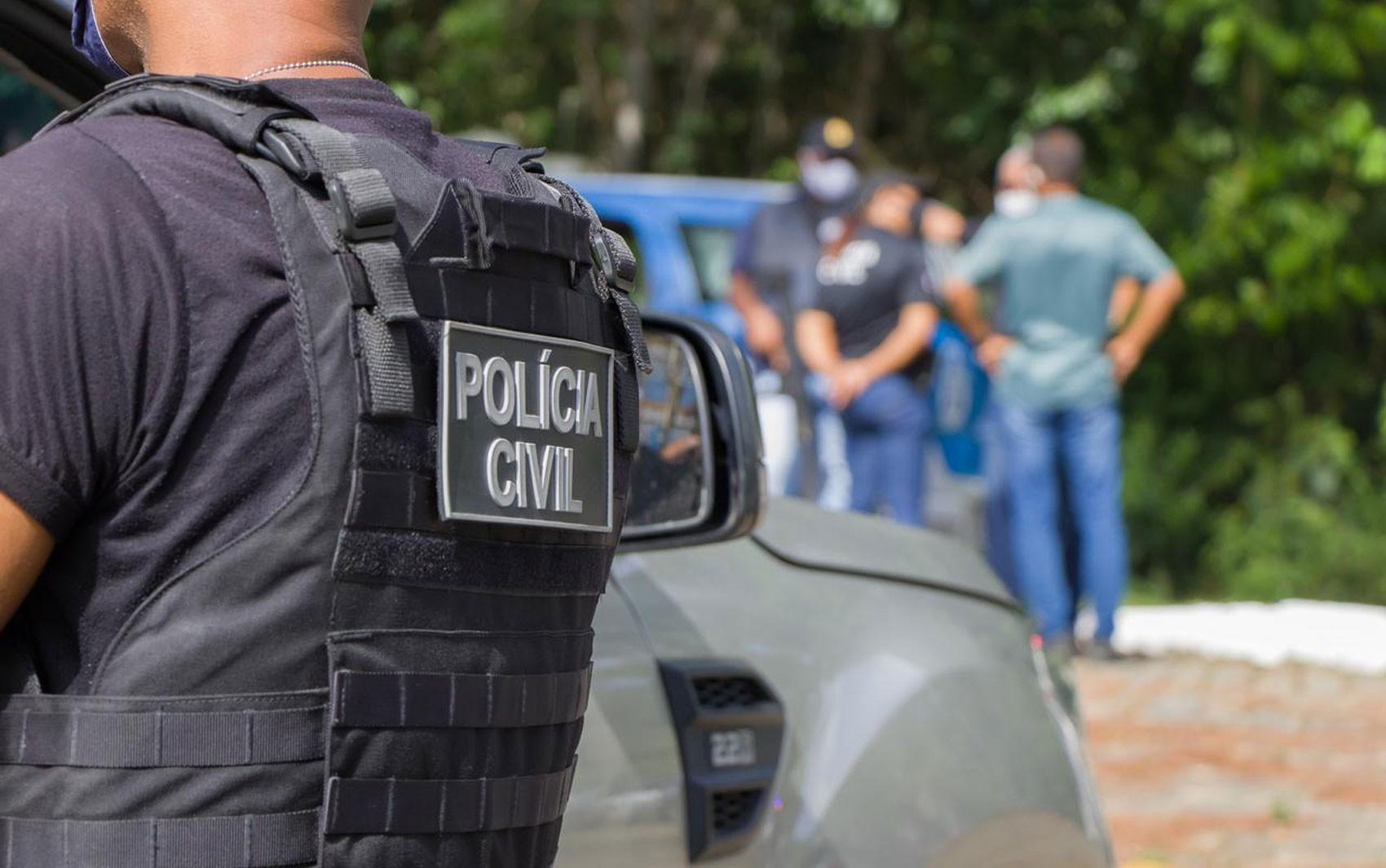 Dois são presos suspeitos de sequestrar e roubar PM da reserva na Bahia