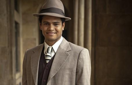 Guilherme Ferraz será Marcelo, um rapaz de origem humilde que foi adotado por uma família rica. Ele se torna amigo de Carlos e logo se tornará íntimo da família Lemos TV Globo