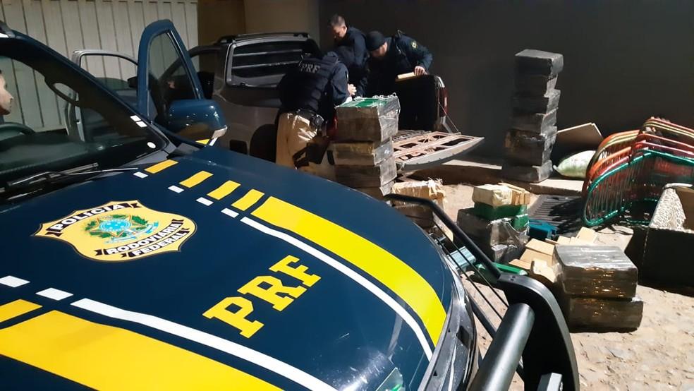 Tabletes foram encontrados durante fiscalização  — Foto: Polícia Rodoviária Federal/Divulgação
