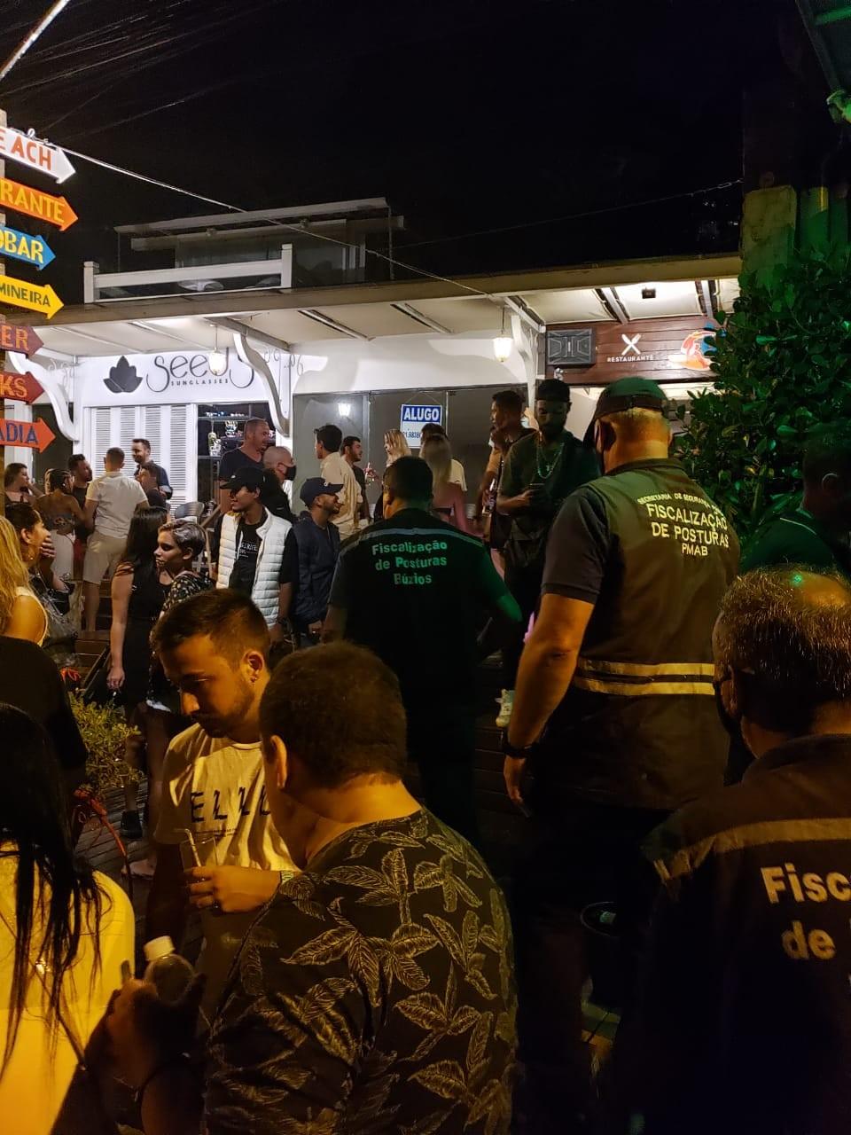 Operação fecha festas em Búzios, no RJ
