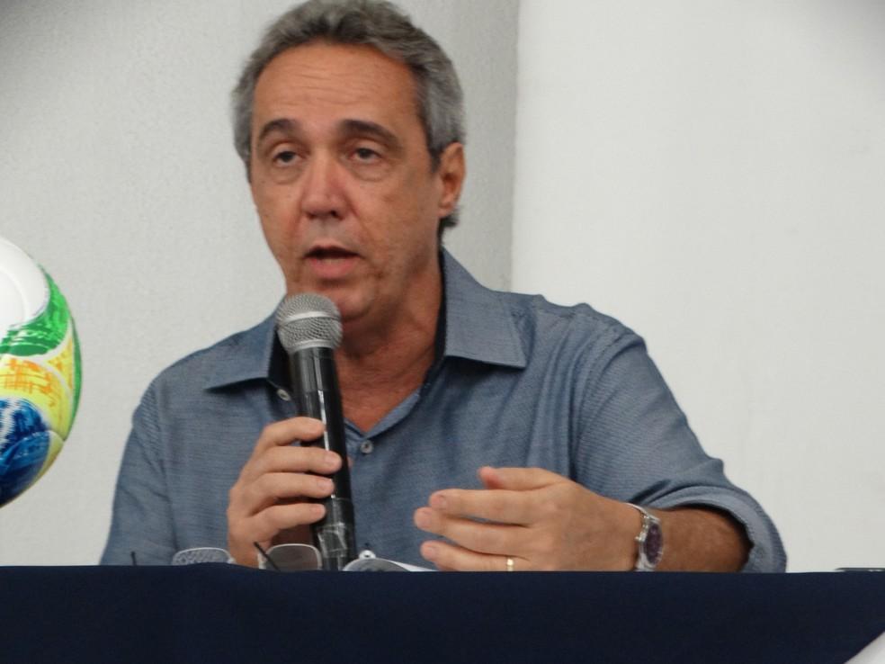 Presidente da FPF-PE, Evandro Carvalho — Foto: Vital Florêncio / GloboEsporte.com