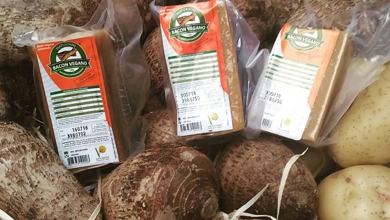 Bacon vegano feito de inhame e batata, da Naturinni (Foto: Divulgação/Naturinni)