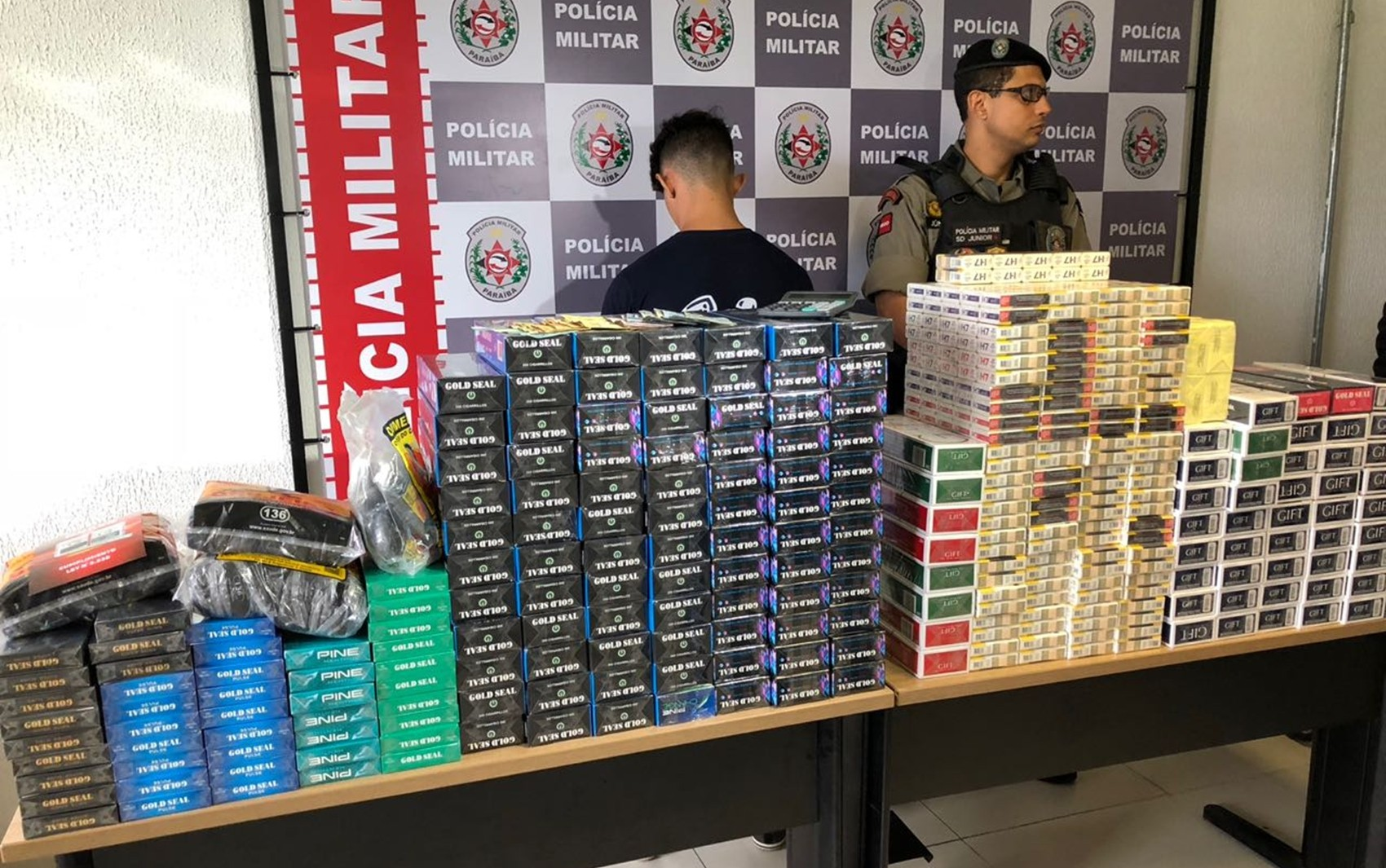 Homem é preso com 500 carteiras de cigarros contrabandeados em João Pessoa