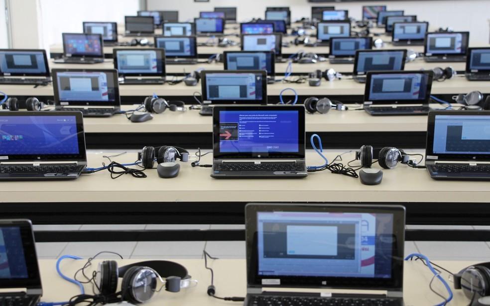 Enem digital foi aplicado em laboratórios de Informática contratados pelo Inep — Foto: Milca de Oliveira